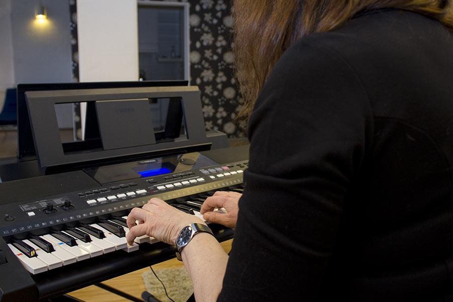 Musiikki- ja traumaterapiaklinikka Adaria